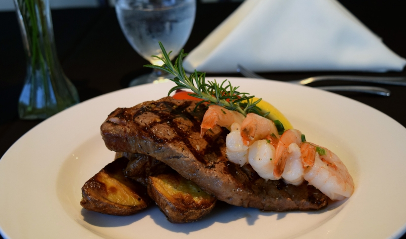 steak_and_prawns